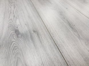 SP807 / D3532 Millenium Oak Grey